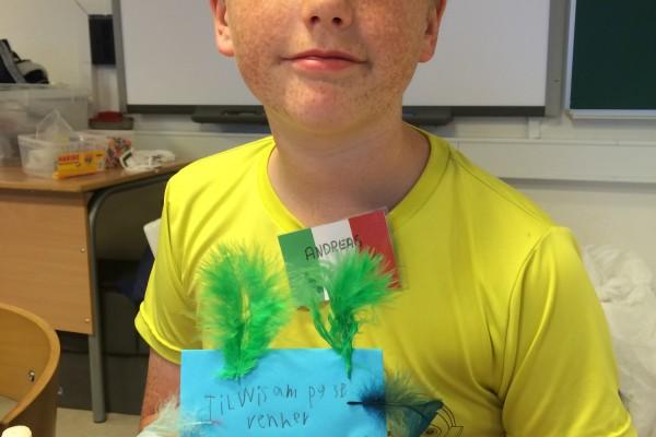 Der bliver skrevet flotte breve til nye venner på lejren